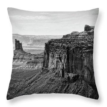 Canyonlands National Park Utah 01 Bw Throw Pillow
