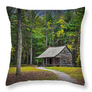 Carter Shields Cabin In Cades Cove Tn Great Smoky Mountains Landscape Throw Pillow