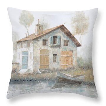 Casa Pallida Nella Nebbia Throw Pillow