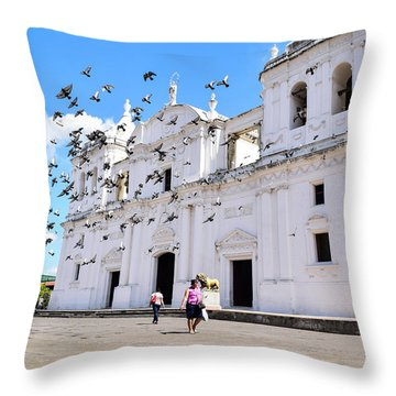 Cathedral Of Leon Throw Pillow
