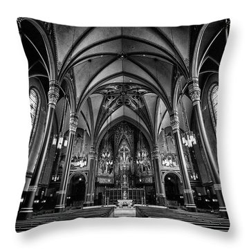 Cathedral Of The Madeline In Black And W Throw Pillow