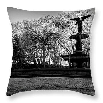 Central Park's Bethesda Fountain - Bw Throw Pillow