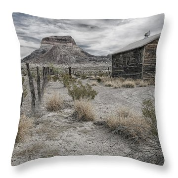 Cerro Castellan - Big Bend  Throw Pillow
