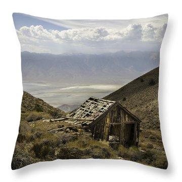 Cerro Gordo Cabin Throw Pillow