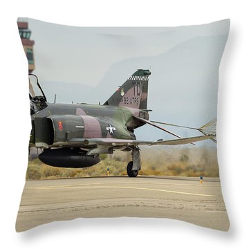 C'est Tout Throw Pillow
