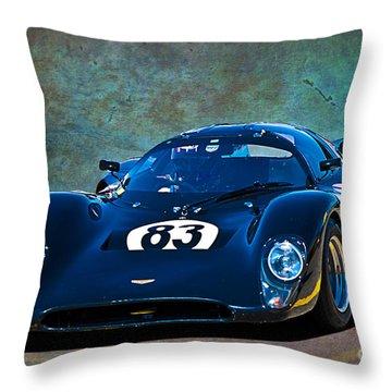 Chevron B16 Throw Pillow