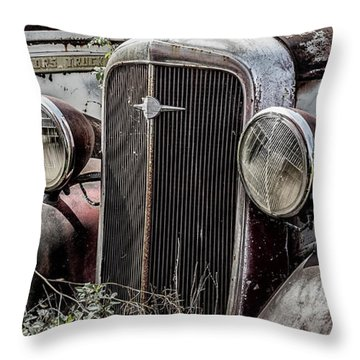 Chevy Grill IIi Throw Pillow