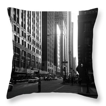 Chicago 2 Throw Pillow