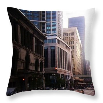 Chicago 6 Throw Pillow