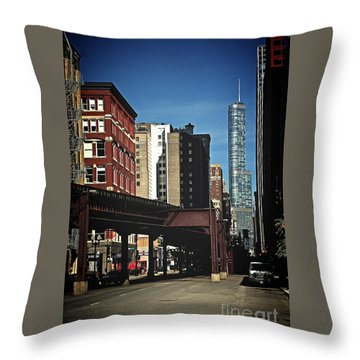 Chicago L Between The Walls Throw Pillow