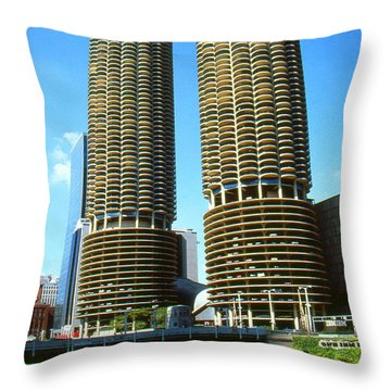 Chicago Poster - Marina City Throw Pillow