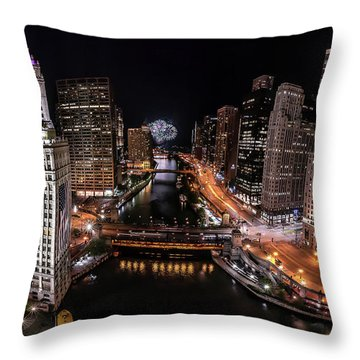 Chicago Night Live - Pano Throw Pillow