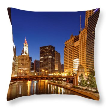 Chicago River Trump Tower And Wrigley Building At Dawn - Chicago Illinois Throw Pillow