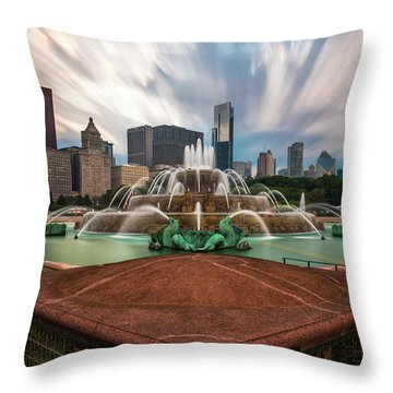 Chicago's Buckingham Fountain Throw Pillow