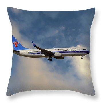 China Southern Airlines Boeing 737-81q Throw Pillow