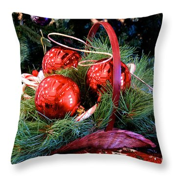 Christmas Centerpiece Throw Pillow