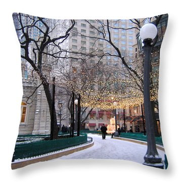 Christmas In Chicago Throw Pillow