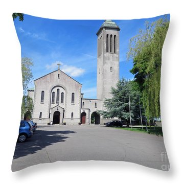 Church In Dunboyne Ireland Throw Pillow