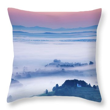 Church Of Saint Lawrence At Sunrise Throw Pillow