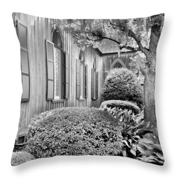 Church Of The Cross Bluffton Sc Black And White Throw Pillow