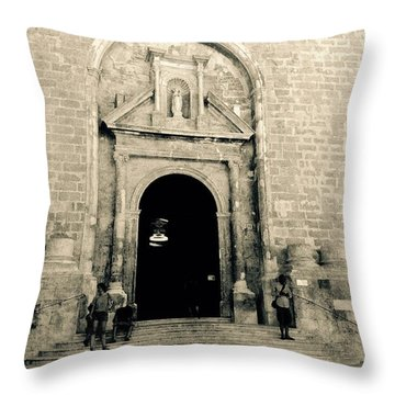 Churchdoor In Mahon Throw Pillow