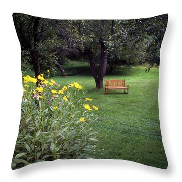 Churchyard Bench - Woodstock, Vermont Throw Pillow