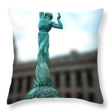 Cleveland War Memorial Fountain Throw Pillow