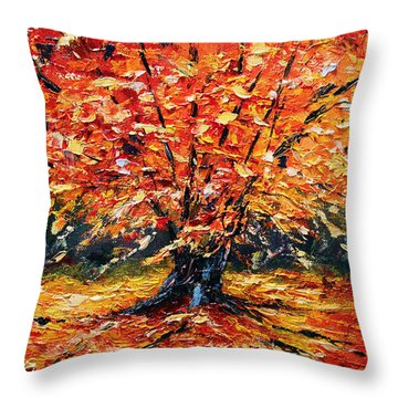 Clothed With Splendor Throw Pillow