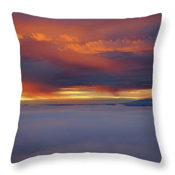 Cloud Layer Sunrise At Dead Horse Point State Park Throw Pillow