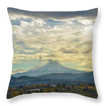 Cloudy Day Over Mount Hood At Hood River Oregon Throw Pillow