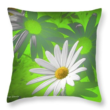 Cola Para El Sol Throw Pillow