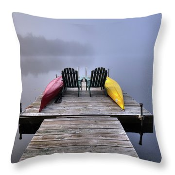 Throw Pillow featuring the photograph Color In The Fog by David Patterson