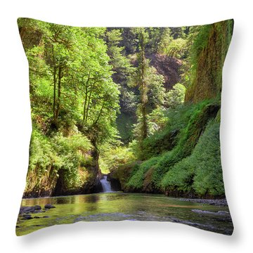 Columbia Gorge Waterfall In Summer Throw Pillow