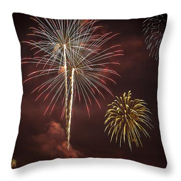 Conesus Ring Of Fire 2015 Throw Pillow by Richard Engelbrecht