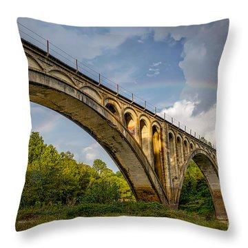 Confederate Rainbow At Bovina Throw Pillow