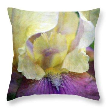 Cool Toned Purple Iris 0319 Idp_3 Throw Pillow