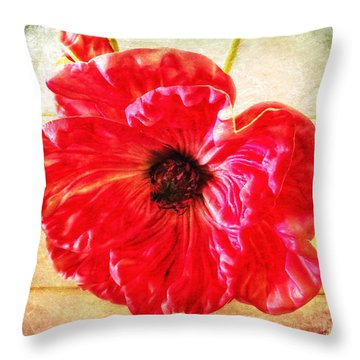 Coquelicot Throw Pillow