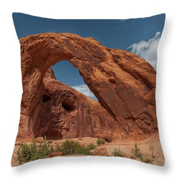 Corona Arch - 9757 Throw Pillow