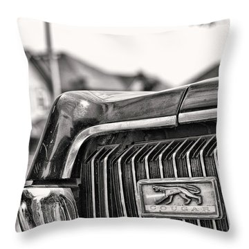 Cougar 1 Throw Pillow