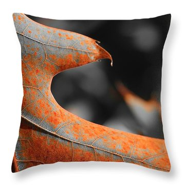 Cougar Rusty Leaf Detail Throw Pillow