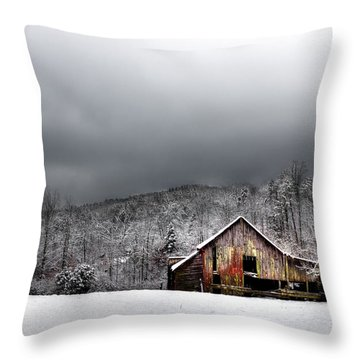 Country Barn In The Smokies Throw Pillow