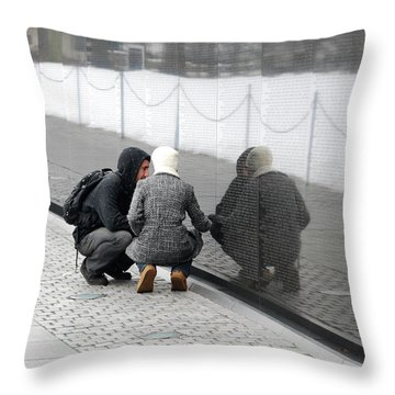 Couple At Vietnam Wall Throw Pillow