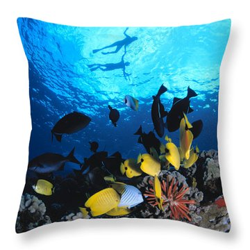 Couple Snorkels At Surfac Throw Pillow by Ed Robinson - Printscapes