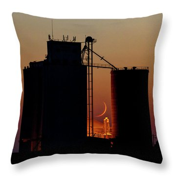 Throw Pillow featuring the photograph Crescent Moon At Laird 08 by Rob Graham