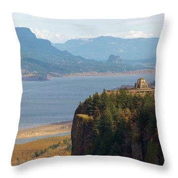 Crown Point On Columbia River Gorge Throw Pillow