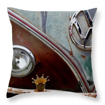 Crowned - Vw Throw Pillow