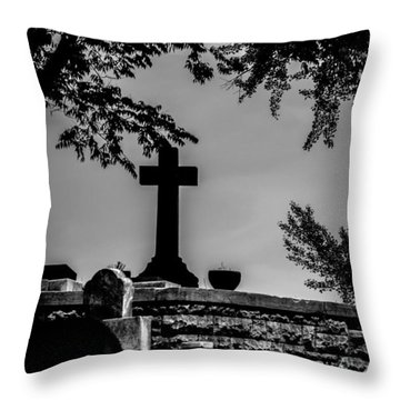 Crucis Throw Pillow