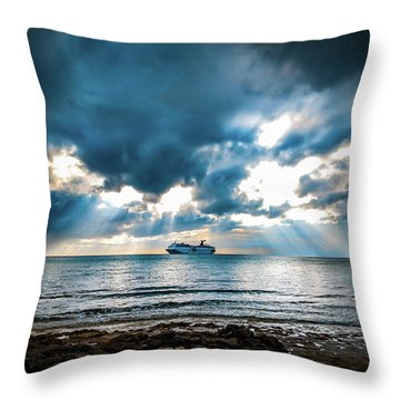 Cruise In Paradise Throw Pillow