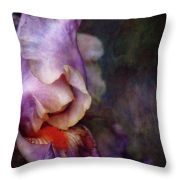 Curled 1287 Idp_2 Throw Pillow