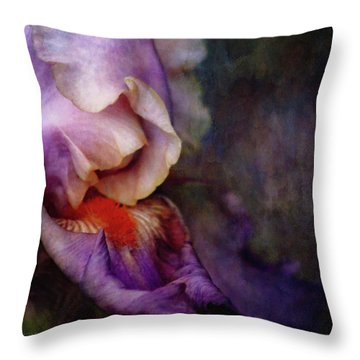 Curled 1287 Idp_2 Throw Pillow
